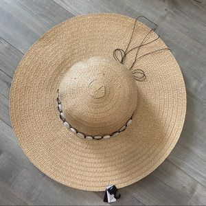 ARDENE BEACH HAT